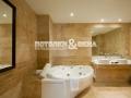 Матовый потолок в ванной комнате